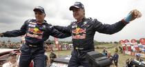 Carlos Sainz (dreapta), castigator la Dakar 2018