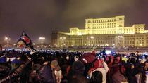 Multimea de protestatari in fata Parlamentului
