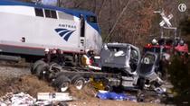 Un tren cu congresmeni s-a ciocnit cu un camion de gunoi, in Virginia