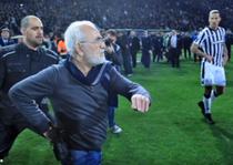 Presedintele echipei PAOK a intrat pe teren cu un pistol