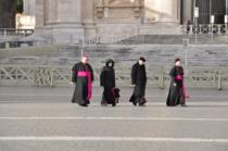 In ca un scandal privind preotii italieni