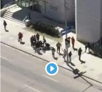 O masina a lovit zece pietoni in Toronto