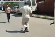 Politist fugarit cu toporul