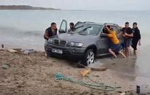 BMW in apa Marii Negre