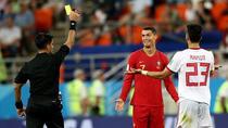 Cristiano Ronaldo primeste cartonas galben