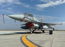 Avion F-16 al Fortelor Aeriene Romane la baza aeriana Borcea