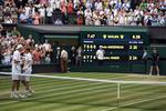 John Isner si Kevin Anderson, la finalul meciului maraton de la Wimbledon
