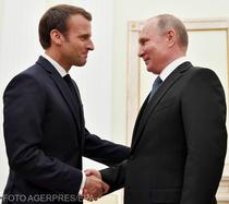 Emmanuel Macron si Vladimir Putin