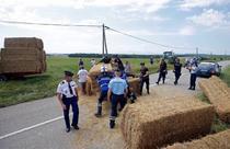 Baloti pe drum la Turul Frantei