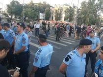 Jandarmi la proteste in Piata Victoriei