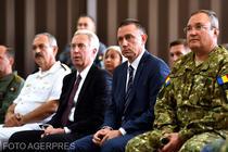 Ambasadorul SUA, Hans Klemm, ministrul Apararii, Mihai Fifor, si seful Statului Major, Nicolae Ciuca