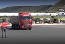 Tir pe o autostrada spaniola