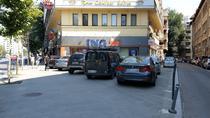 Masini parcate pe trotuar in Bucuresti