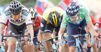 Alejandro Valverde (tricou verde), invingator de etapa in Turul Spaniei