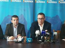 Victor Ponta prezinta o fotografia cu Dragnea si Maior