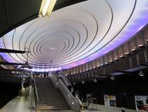 O statie spectaculoasa din metroul din Varsovia