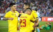 Tricolorii celebrand golul secund din meciul cu Serbia