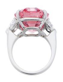 Diamantul Pink Legacy