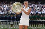 Angelique Kerber si trofeul de la Wimbledon