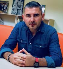 Dr. Richard Constantinescu