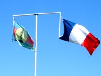 Steaguri Noua Caledonie si Franta