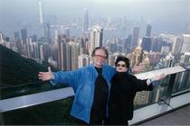Mariana Nicolesco si Radu Varia pe inaltimile Hong Kongului