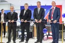 Imagine de la lansarea oficiala a First Bank