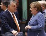 Viktor Orban si Angela Merkel