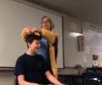 profesoare tunde cu forta elev SUA