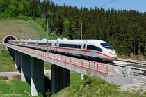 Tren german de mare viteza ICE
