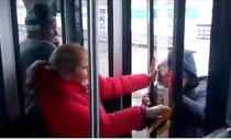 pasageri blocati in autobuz Otokar