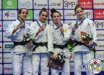 Andreea Chitu (a treia de la stanga la dreapta), medalie de bronz la Tel Aviv