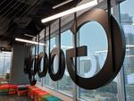 Logo-ul Google la sediul din Varsovia
