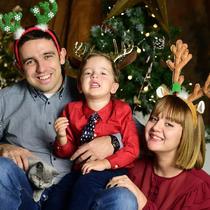 Vali Dobrescu și familia sa