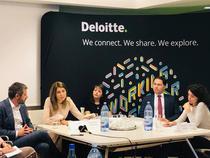 Reprezentantii Deloitte