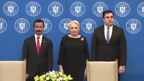 Dancila si Cuc la semnarea memorandumului de intelegere cu cei de la Dubai Ports