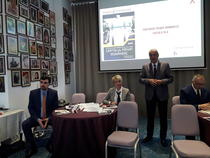 Imagine din timpul conferintei de vineri a Piarom