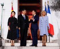 Xi Jinping, primit de Macron la Elysee