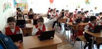 Elevi de la Şcoala din Popeşti Leordeni