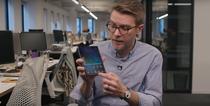 Dieter Bohn si telefonul cu ecranul spart