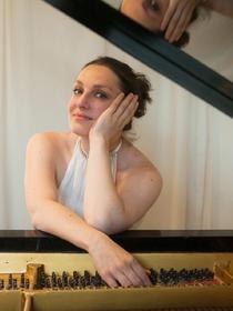 Pianista Mădălina Pașol