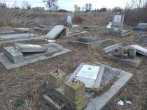morminte evreiesti distruse la Husi