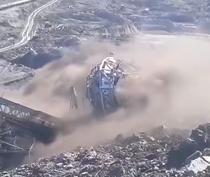 Excavator minier prabusit la Alunu