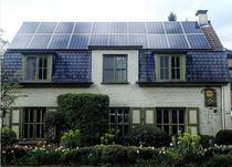 Casa cu panouri fotovoltaice