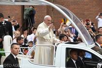 Papa Francisc în Papamobil