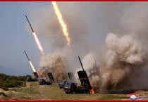 Kim Jong UN, la teste cu rachete in Coreea de Nord 10
