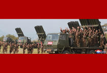 Kim Jong UN, la teste cu rachete in Coreea de Nord 11