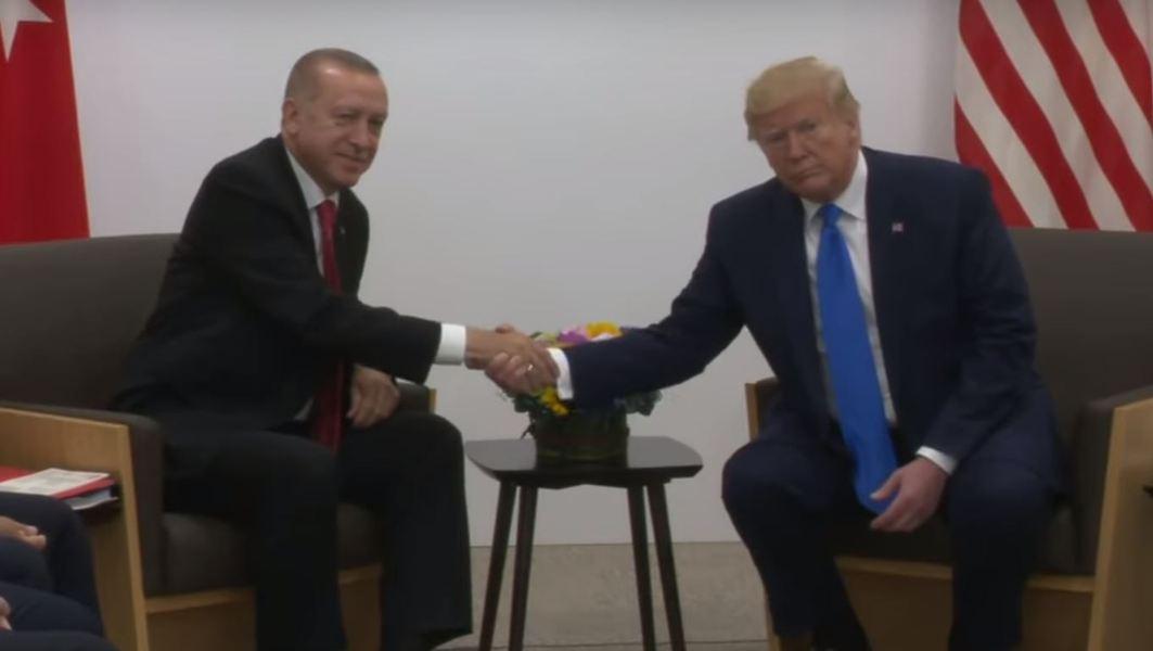 Donald Trump a autorizat în mod oficial impunerea de sancțiuni Turciei – International