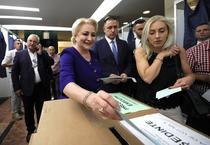 Dancila votand la congresul PSD