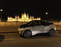 BMW i3 si Parlamentul Ungariei din Budapesta
